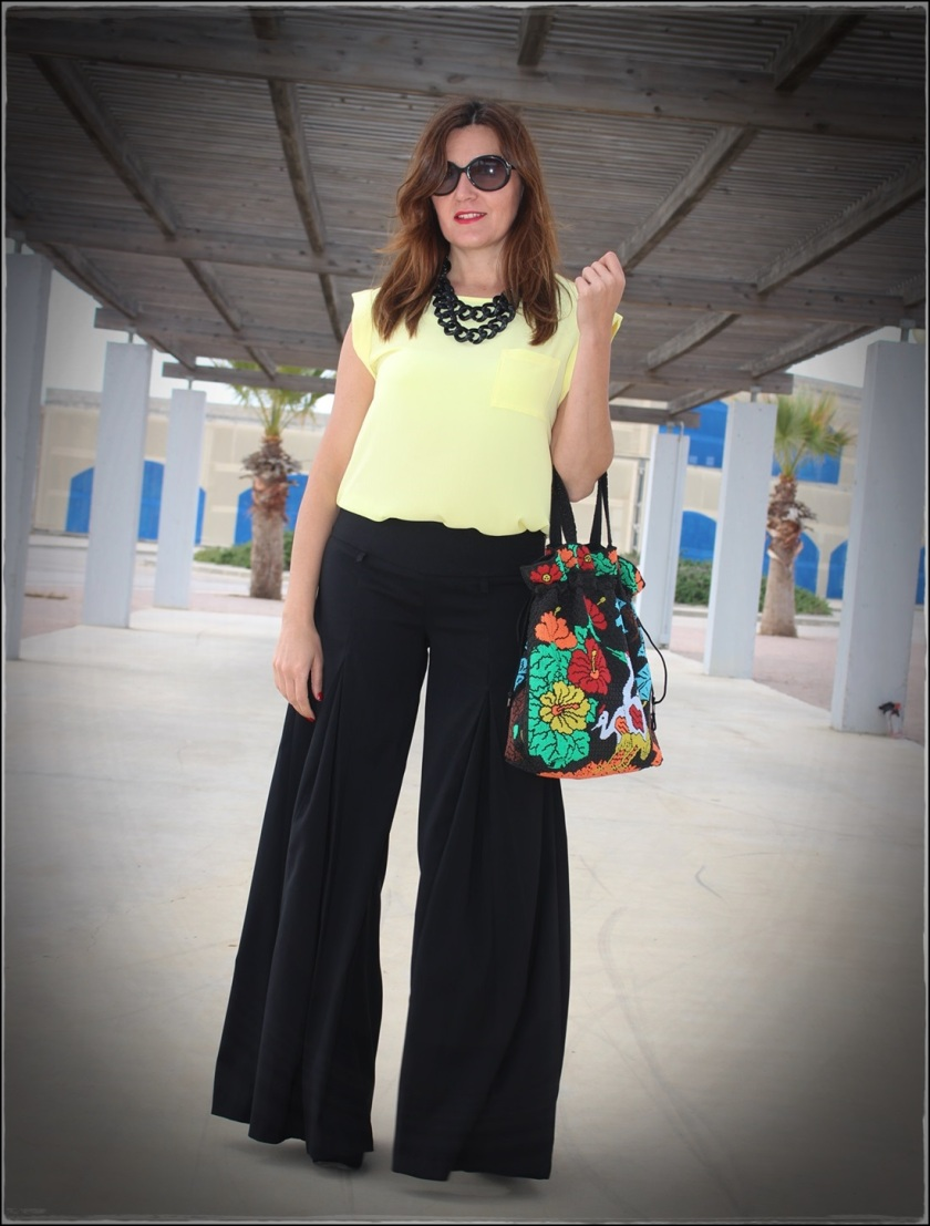 Cuida de ti, cuida tu imagen, Mi momento Locomia, pantalones vintage, bolso vintage, blusa primark, flatfoms Zara, summer looks, summer trends, outfit of the day, street style 11