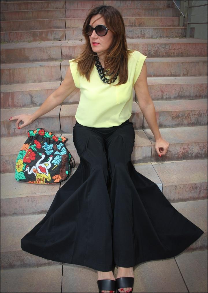 Cuida de ti, cuida tu imagen, Mi momento Locomia, pantalones vintage, bolso vintage, blusa primark, flatfoms Zara, summer looks, summer trends, outfit of the day, street style 2