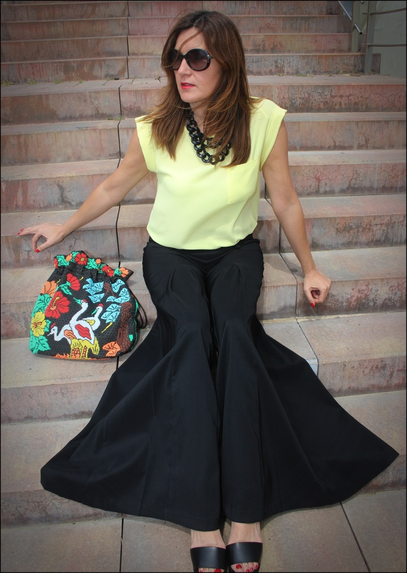 Cuida de ti, cuida tu imagen, Mi momento Locomia, pantalones vintage, bolso vintage, blusa primark, flatfoms Zara, summer looks, summer trends, outfit of the day, street style 2