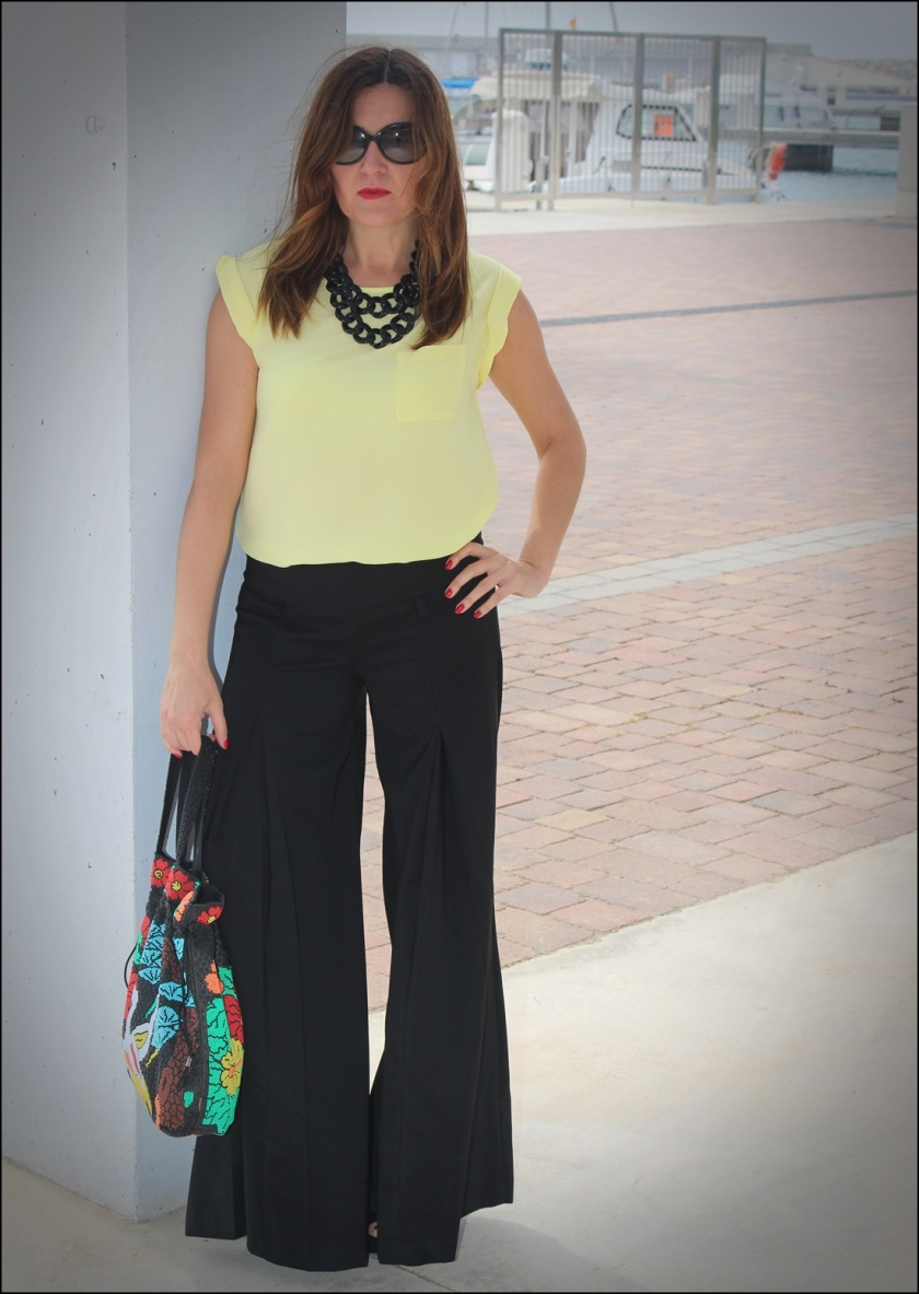 Cuida de ti, cuida tu imagen, Mi momento Locomia, pantalones vintage, bolso vintage, blusa primark, flatfoms Zara, summer looks, summer trends, outfit of the day, street style 3