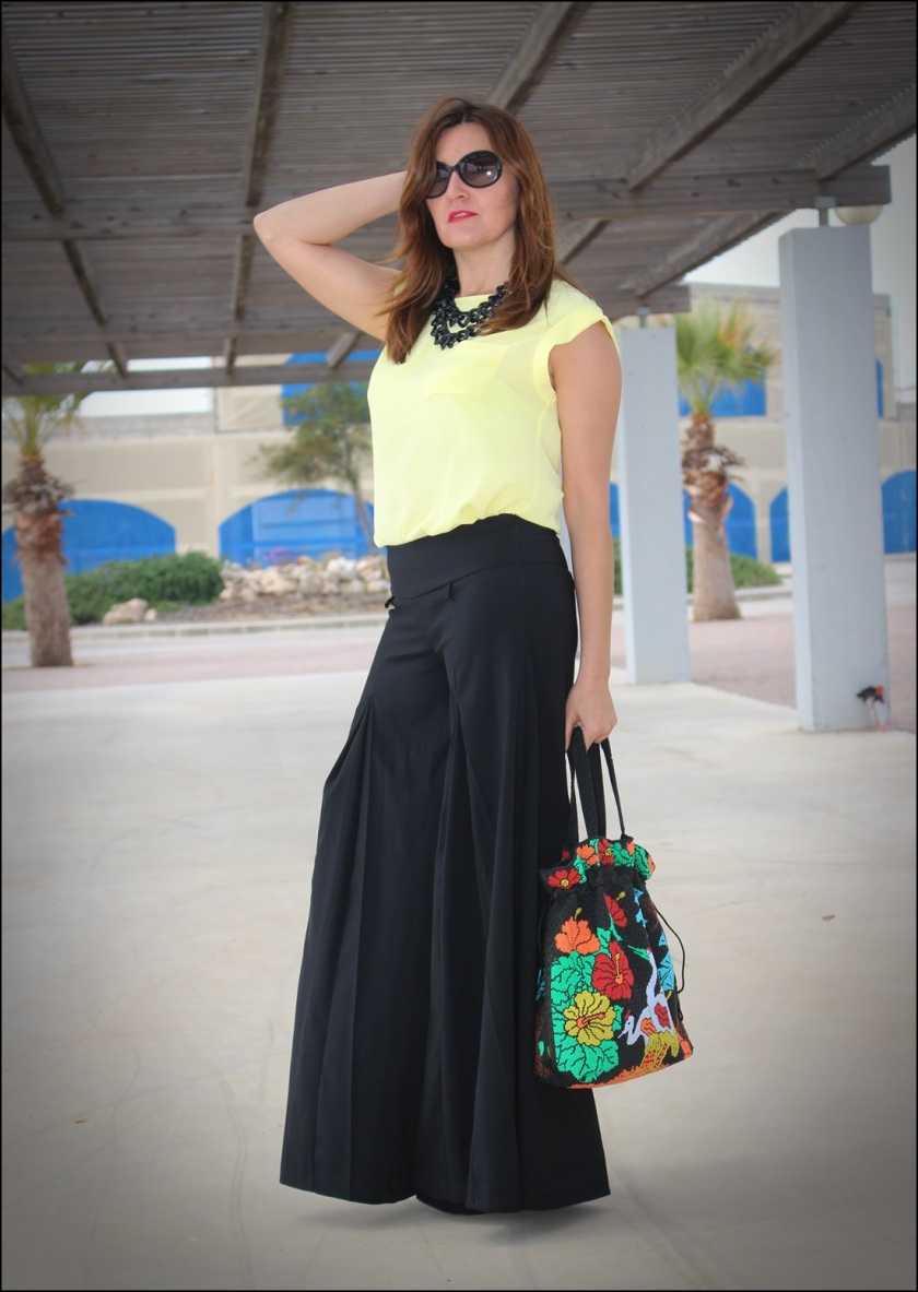 Cuida de ti, cuida tu imagen, Mi momento Locomia, pantalones vintage, bolso vintage, blusa primark, flatfoms Zara, summer looks, summer trends, outfit of the day, street style 5