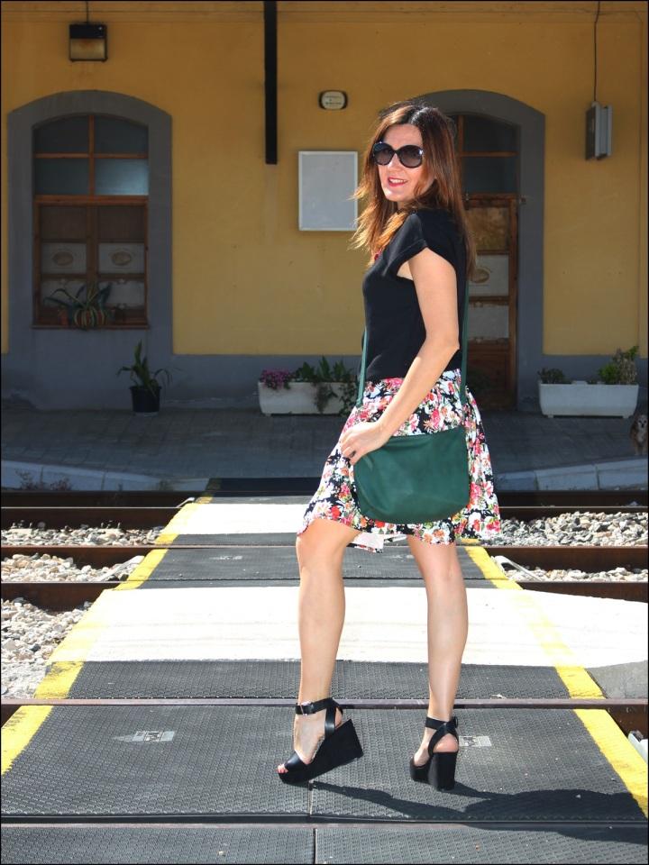 Cuida de ti, Cuida tu imagen, tendencia floral, old station, floral print para todas, Zara, flatforms, falda estampada, collar C&A11