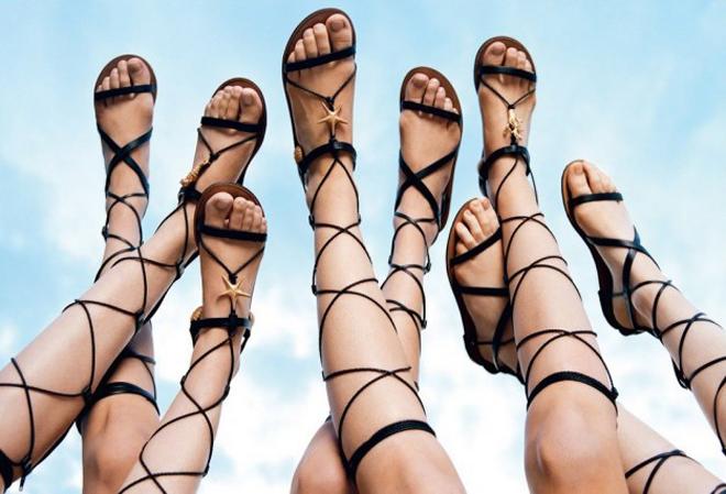 Cuida de ti, cuida tu imagen, sandalias romanas, sandalias de tiras, amputa piernas