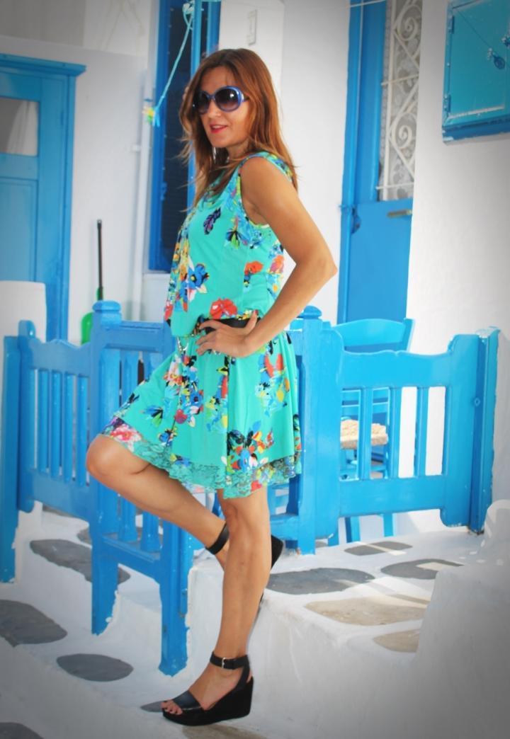 Cuida de ti, cuida tu imagen, vestido modelo Aloha, marca Surkana, Street style,Mykonos, looks de verano, summer looks, estampados, mediterraneamente 5