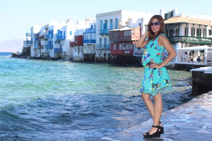 Cuida de ti, cuida tu imagen, vestido modelo Aloha, marca Surkana, Street style,Mykonos, looks de verano, summer looks, estampados, mediterraneamente77