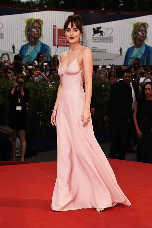 dakota-johnson-vestido