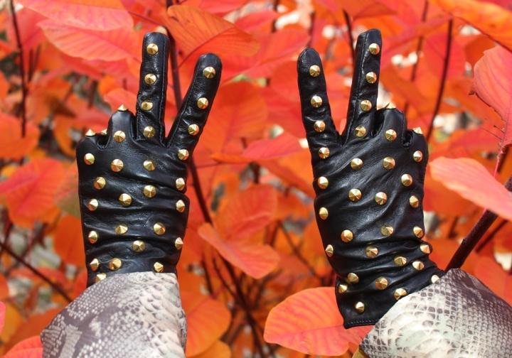 cuida-de-ti-cuida-tu-imagen-tendencias-trends-plumas-plumones-plumiferos-ligeros-autumn-trends-looks-street-style-8