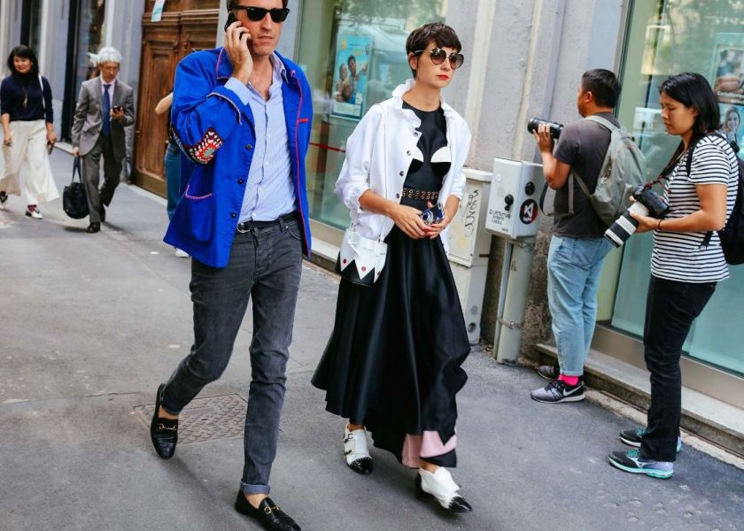 black-and-white-cuida-de-ti-cuida-tu-imagen-milan-fashion-week-tendencias-primavera-2017-street-style-la-pasarela-en-la-calle-modelitos-looks-outfits-fashion-week