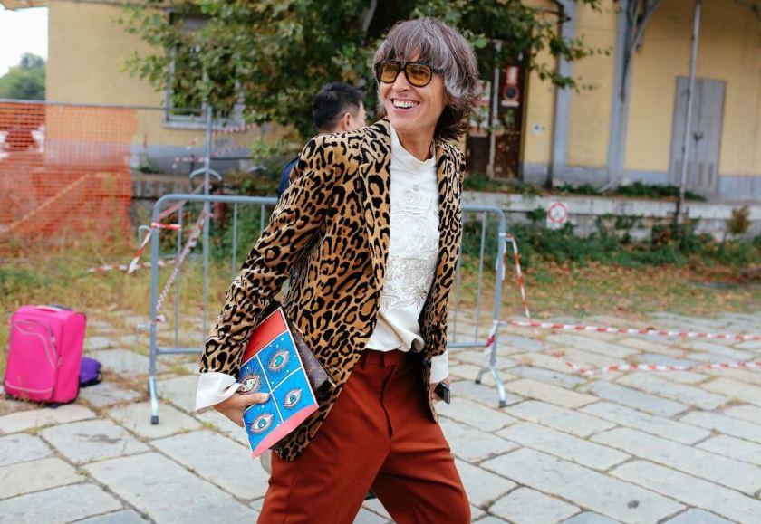 print-cuida-de-ti-cuida-tu-imagen-milan-fashion-week-tendencias-primavera-2017-street-style-la-pasarela-en-la-calle-modelitos-looks-outfits-fashion-week