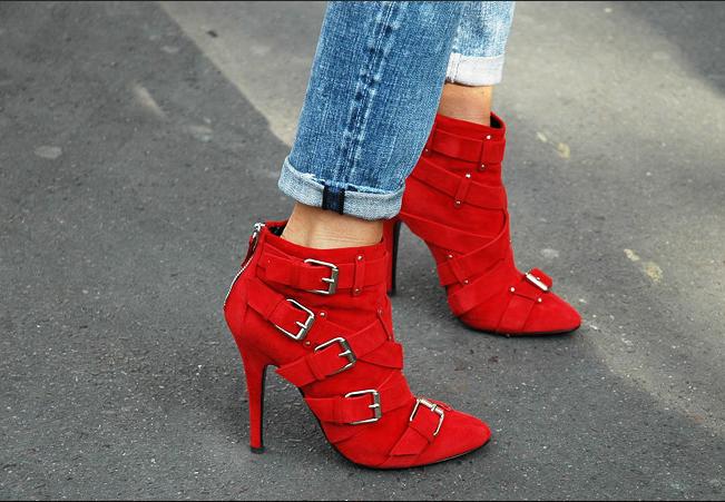zapatos-9-cuida-de-ti-cuida-tu-imagen-rojo-valentino-san-valentin