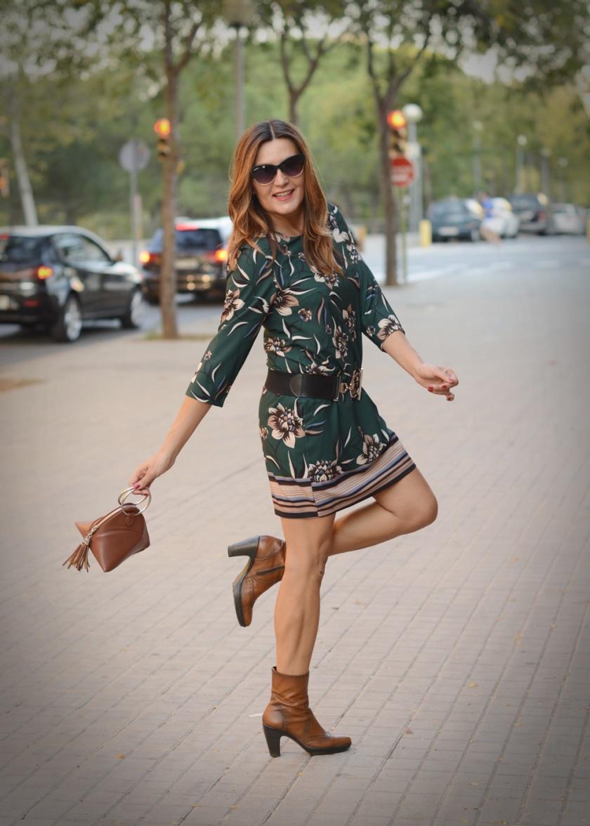 Cuida tu imagen, veroño, tendencias, trends, otoño, vestidos midi, verde botella, Desfila, Alicia Santiago, Sabadell 2