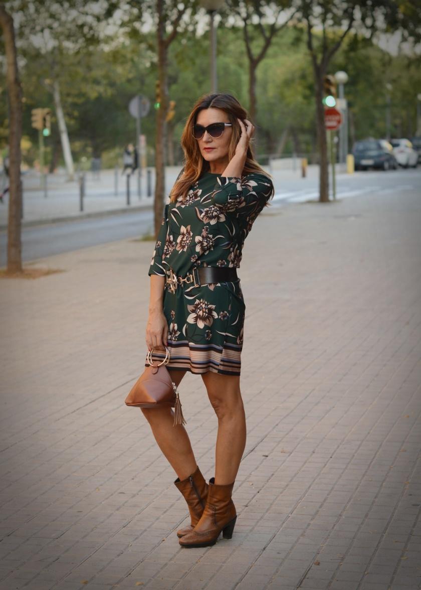 Cuida tu imagen, veroño, tendencias, trends, otoño, vestidos midi, verde botella, Desfila, Alicia Santiago, Sabadell 3