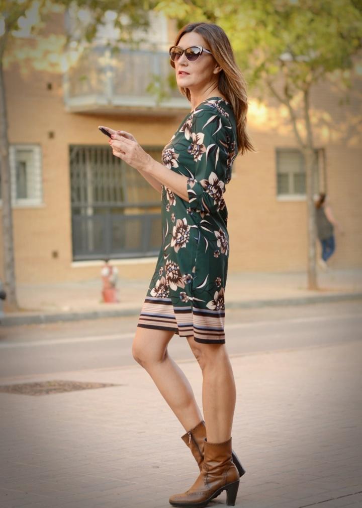 Cuida tu imagen, veroño, tendencias, trends, otoño, vestidos midi, verde botella, Desfila, Alicia Santiago, Sabadell 4