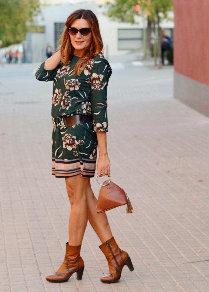 Cuida tu imagen, veroño, tendencias, trends, otoño, vestidos midi, verde botella, Desfila, Alicia Santiago, Sabadell 5