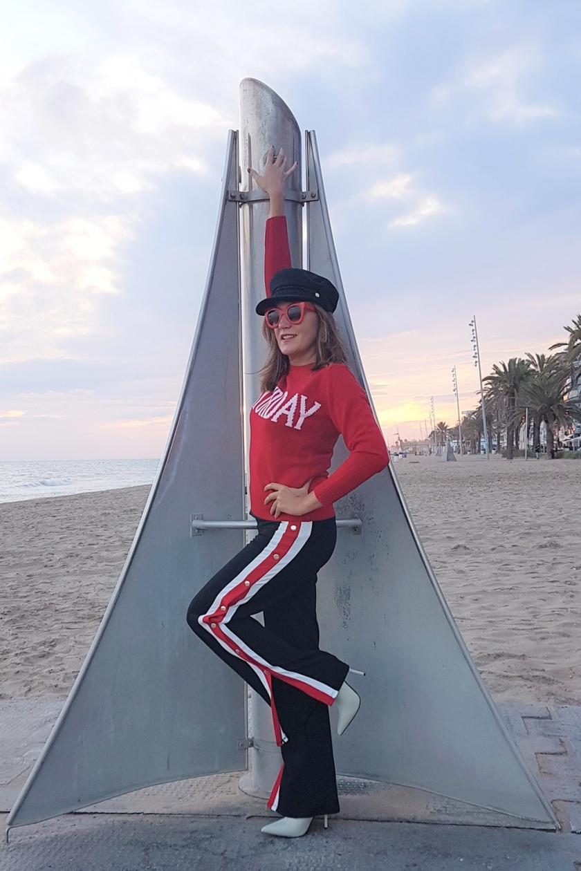 Cuidatuimagen, Alicia Santiago, tendencias, trends, must have, atumn, red, rojo, baker cap, pantalones, chandal, sucumbiendo, botas calcetin 2