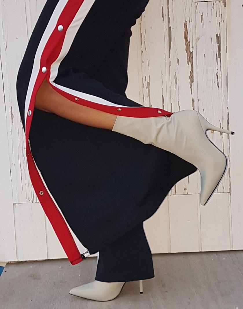 Cuidatuimagen, Alicia Santiago, tendencias, trends, must have, atumn, red, rojo, baker cap, pantalones, chandal, sucumbiendo, botas calcetin 4