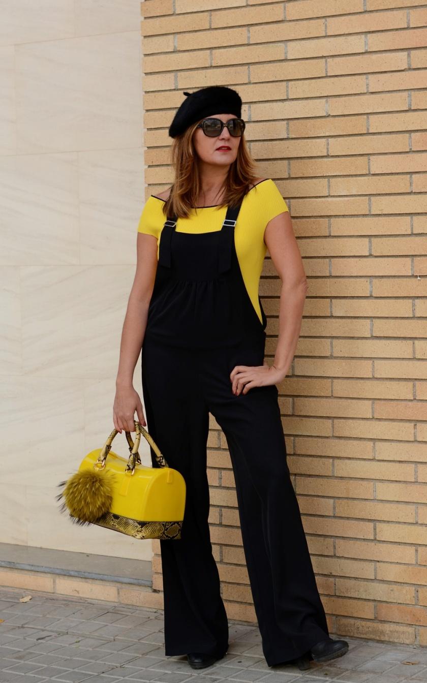 Cuida tu imagen, look amarillo, peto, overall, jumpsuit, furla, pompones, tendencias, trends, yellow 2