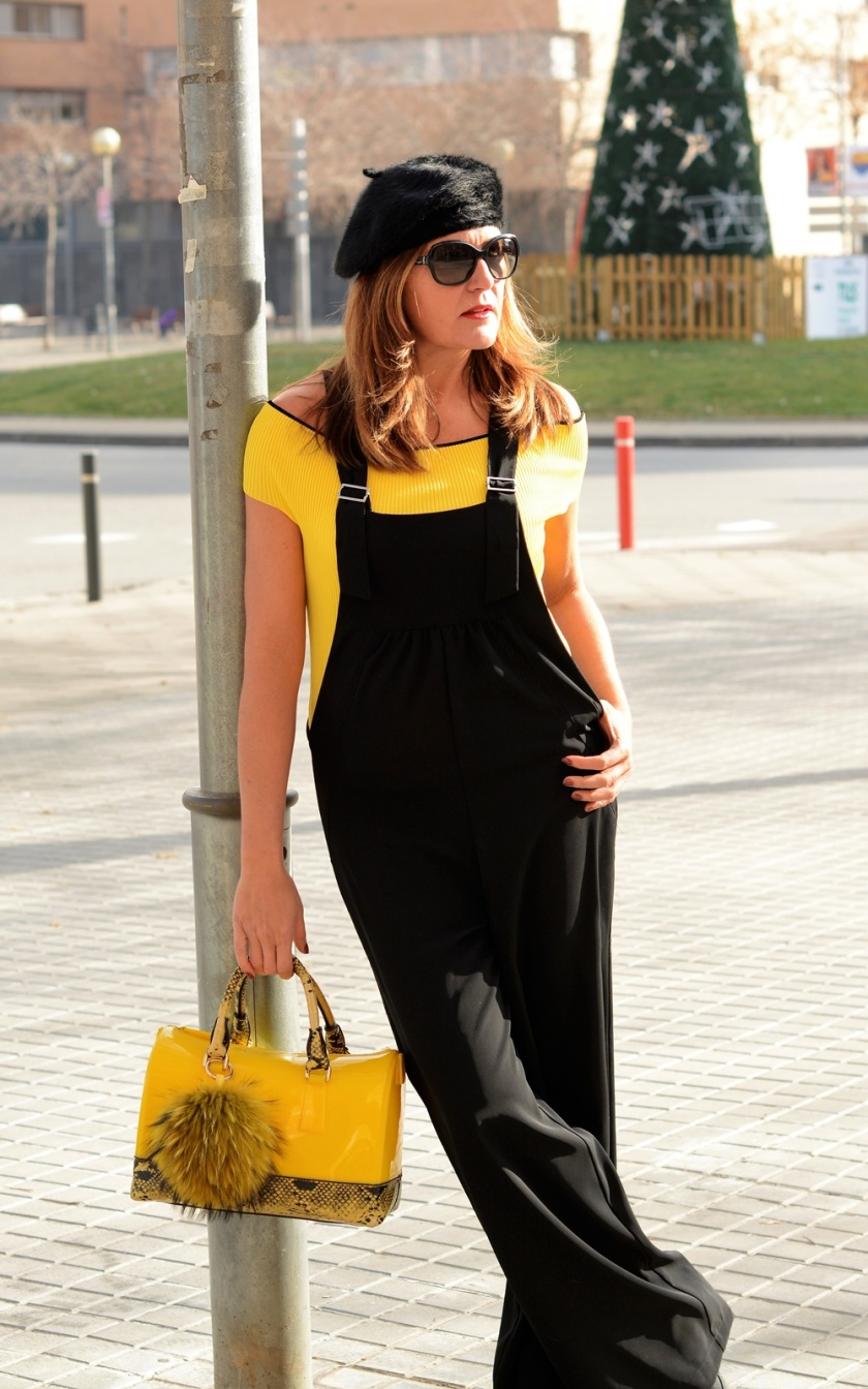 Cuida tu imagen, look amarillo, peto, overall, jumpsuit, furla, pompones, tendencias, trends, yellow 4