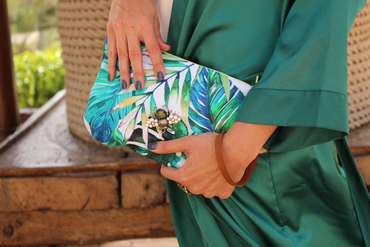 Cuidatuimagen, Cavas Torelló Mata, kimono verde esmeralda, bolso Ana creativa, tropicalisimo,plataformas, escenario, cavas 5