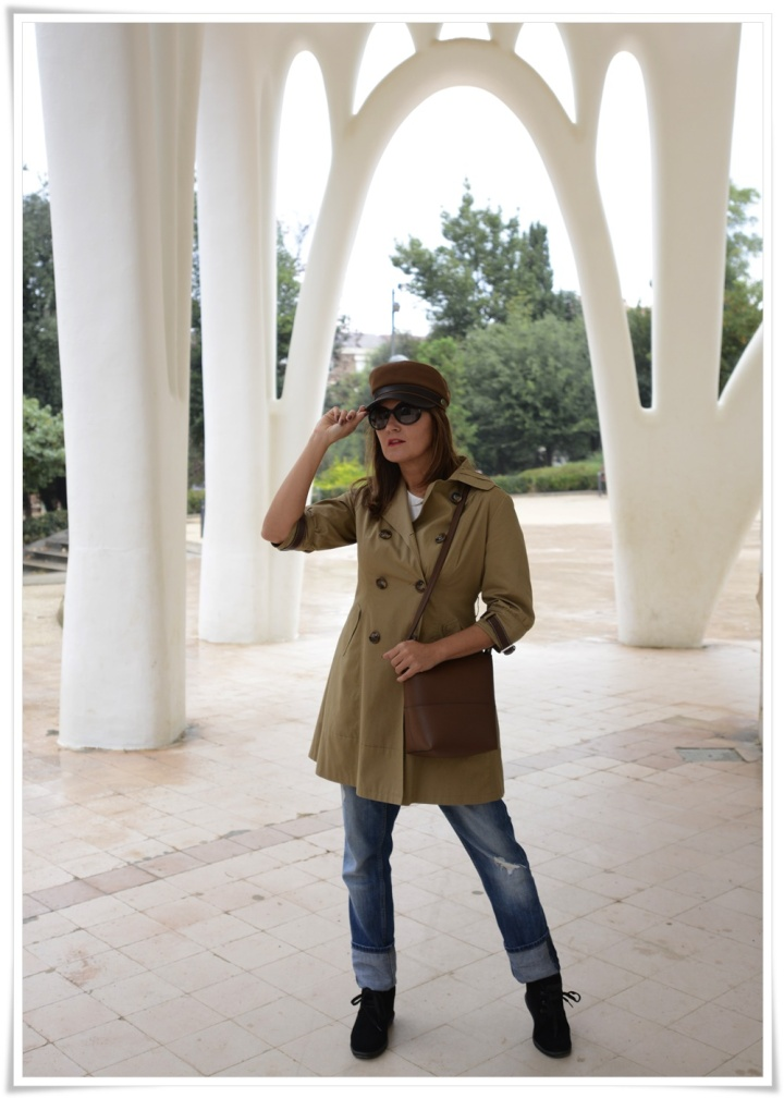 Cuida tu imagen, Alicia Santiago, Trench beige, Fondo de armario, gafas Marc Jacobs, trench beige 2