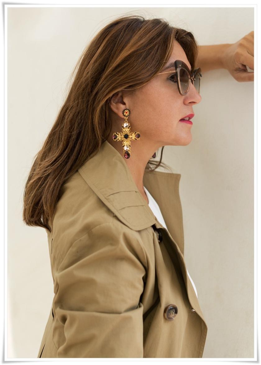 Cuida tu imagen, Alicia Santiago, Trench beige, Fondo de armario, gafas Marc Jacobs, trench beige