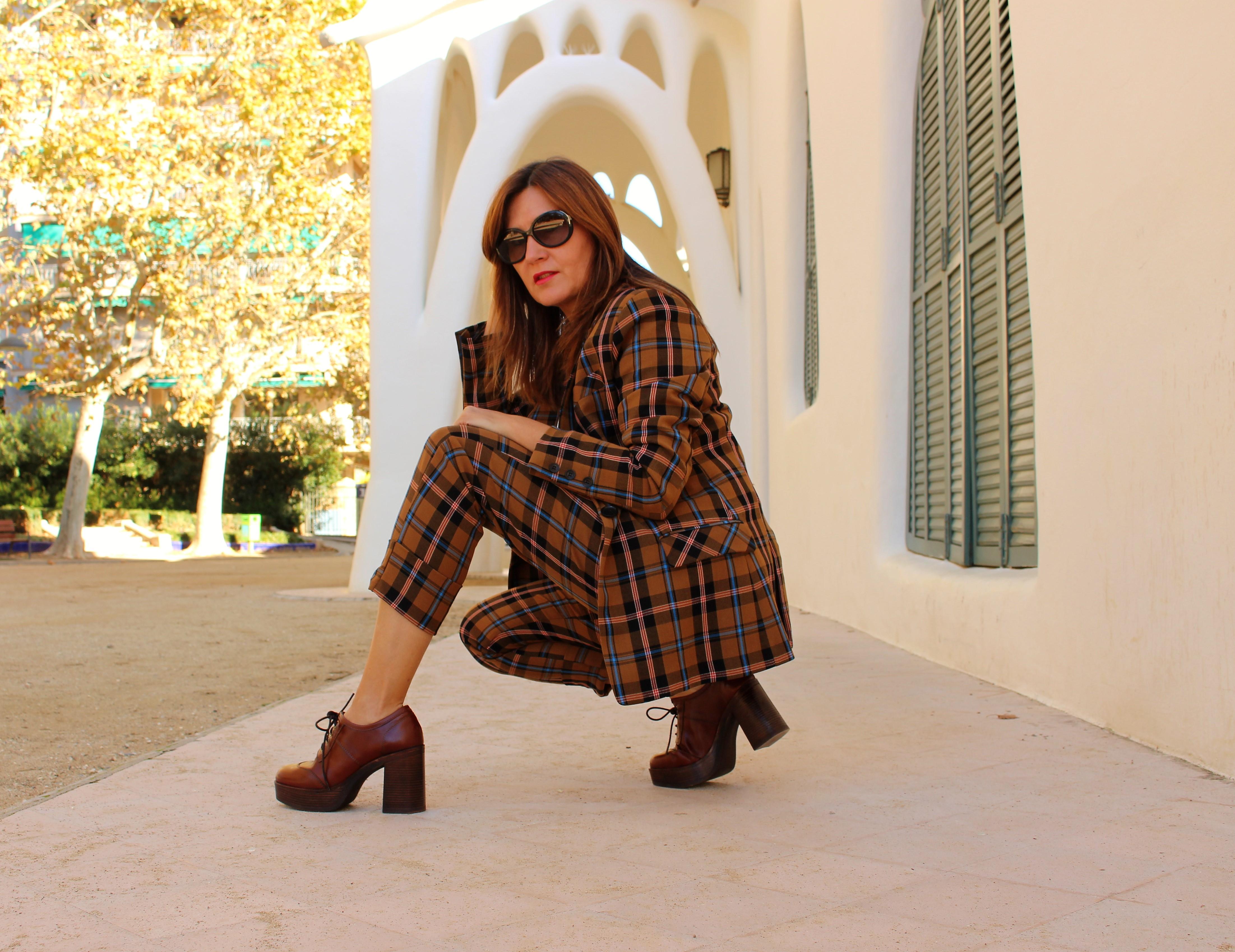 Cuidatuimagen, Traje retro by Bherska, zapatos Casas Club, Autumn Looks, Masia freixa 3